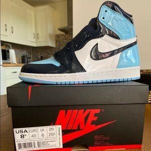 "Air Jordan 1 UNC Patent ""Blue Chill"" 7y (8.5W)"